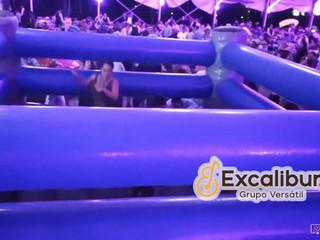 Excalibur show versátil