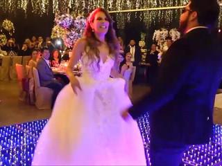 Entrada divertida boda Lupita & Gabo