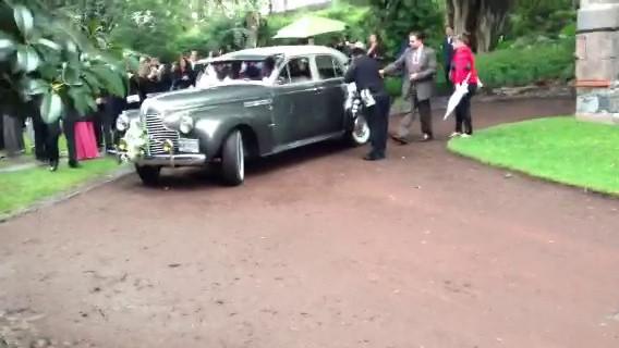 Buick 1940 Super Sedan - Renta Auto Antiguo - Video - Bodas.com.mx